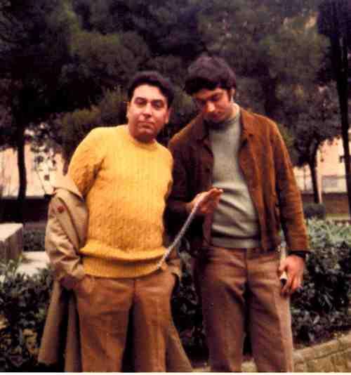 Luciano_e_ettore_vicino_alla_statua_di_g